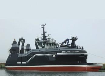 90ft Trawler Photo